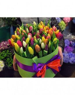 Chic tulips in hat box | Flowers to mother flowers